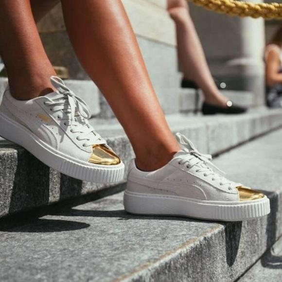 Puma Suede Platform Sneaker CremeGold Toe Cap 7.5